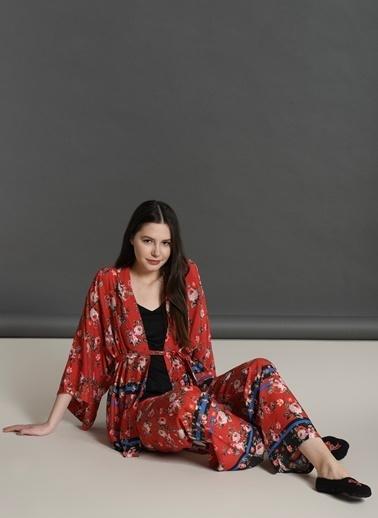 Dagi Dokuma Vual Gül Desenli Sabahlık 3'lü Takım Kırmızı